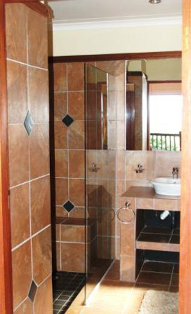 Hulala lake house accommodation, self catering accommodation whiteriver, Nelspruit, wildlife reserve accommodation, self catering apartment accommodation, mpumalanga self catering accommodation hulala, wildlife accommodation, hazyview self catering, hulala